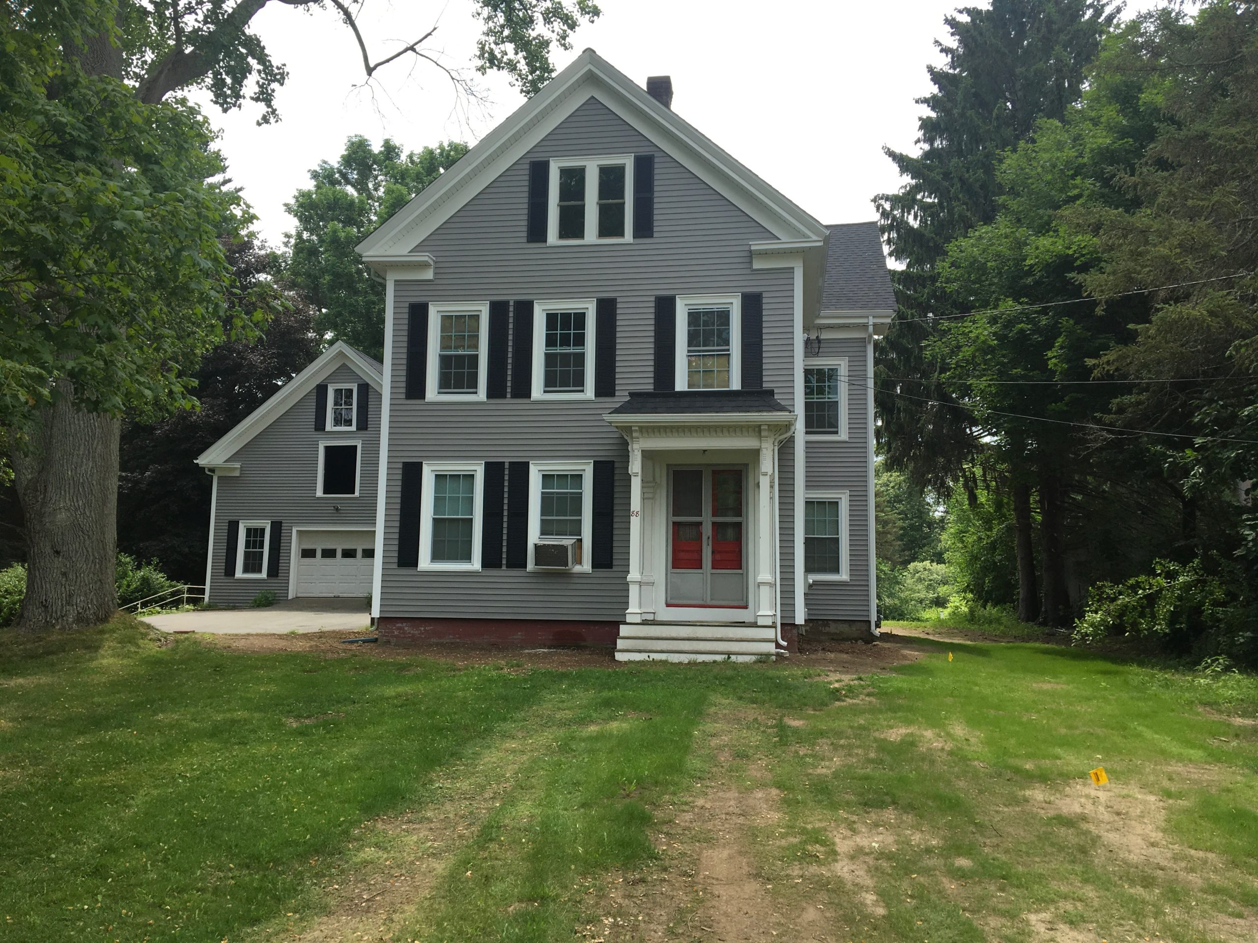 Grey house w/vinyl siding
